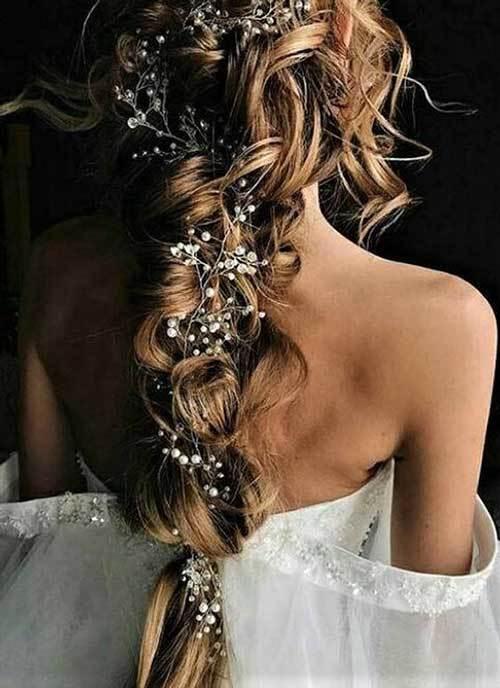 Aksesuarlı Gelin Saçı Modelleri