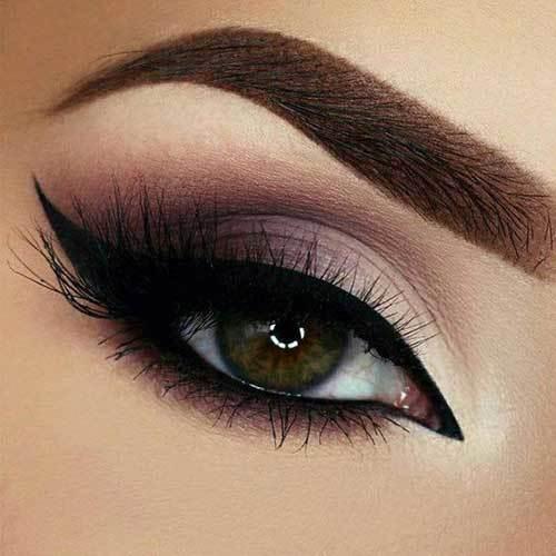 Kahverengi Gözlüler için Kuyruklu Eyeliner Önerileri